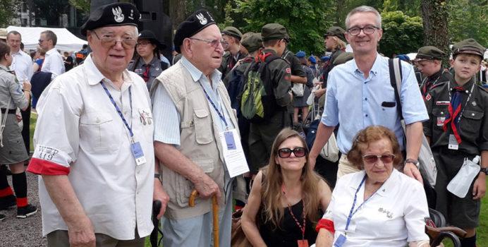 Powstańcy podczas uroczystości 1 sierpnia 2019 w Muzeum Powstania Warszawskiego